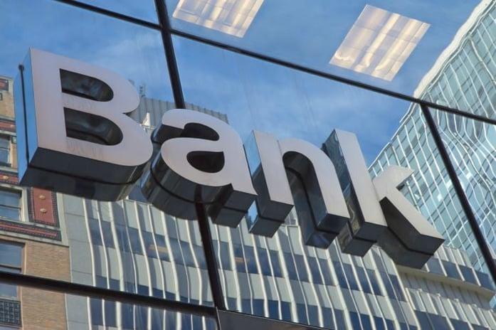 banking in Hong Kong and singapore