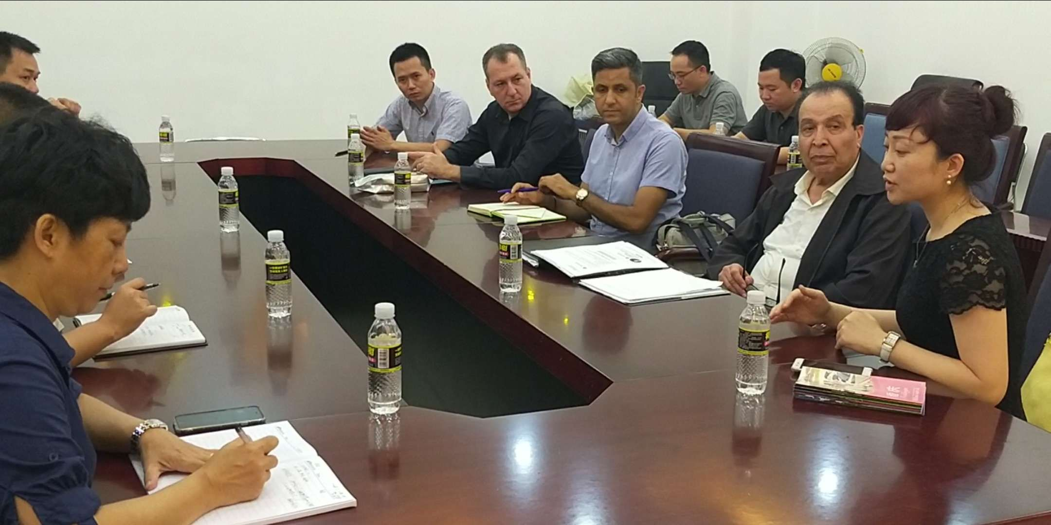Hainan business talks